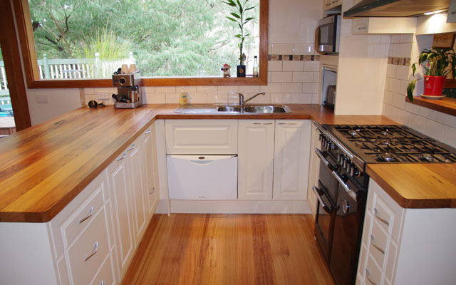 Facelift Your Kitchen With New Bench Tops Doors And